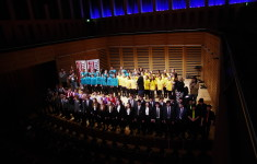 Image of all singing participants who took part in Take the Stage
